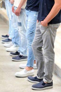 Scarpa slip-on e jeans Dondup P\E 2015. Photo credit: Dondup fb page